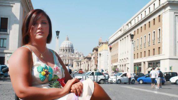 IL CORAGGIO DI VALENTINA: LA DC E' AL SUO FIANCO.