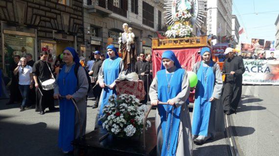 SI E' SVOLTA A ROMA NEL POMERIGGIO DI SABATO 19 MAGGIO 2018 LA < MARCIA PER LA VITA >.