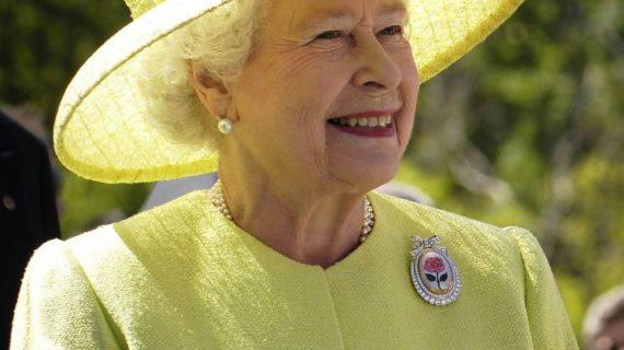 La Regina Elisabetta II, 65 anni di regno: festeggia il Giubileo di Zaffiro.
