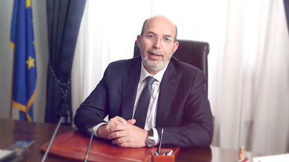 Il Pentastellato Vito Crimi è il nuovo sottosegretario alla Presidenza del Consiglio con delega all'editoria.