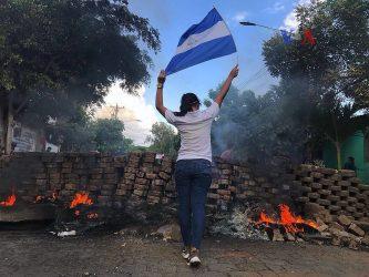 La Grecia è in ginocchio: accertati 74 morti e 556 feriti, 16 bambini in gravi condizioni.