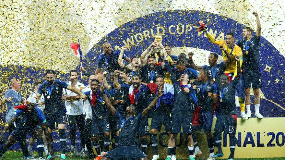 Mondiali Russia 2018, vince la Francia 4 a 2 : festa grande a Parigi a suon di Marsigliese.