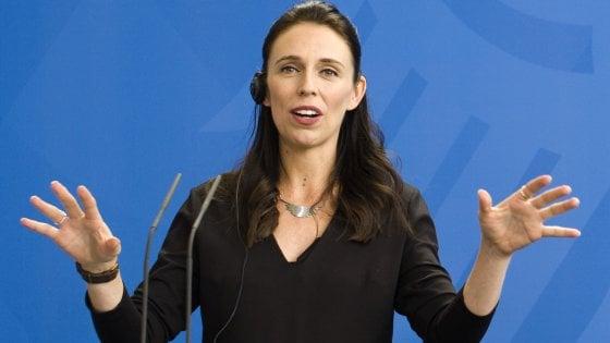 """Nuova Zelanda, la premier Ardern: """"Troppe disuguaglianze, lo stipendio dei parlamentari sarà tagliato"""""""