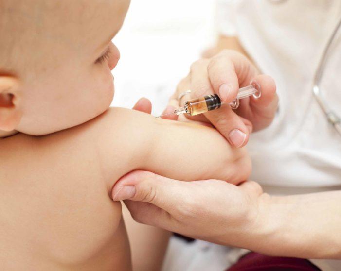 La mediocrazia al potere in Italia: la questione dei vaccini.