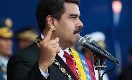 Venezuela (Caracas) : Attentato contro  il Presidente Maduro, molti feriti.