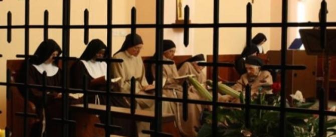 """E' necessario """"rimboccarsi le maniche"""" per gesti concreti di solidarietà in aiuto delle suore claustrali: persone che si sono messe a totale servizio del prossimo e della Chiesa."""