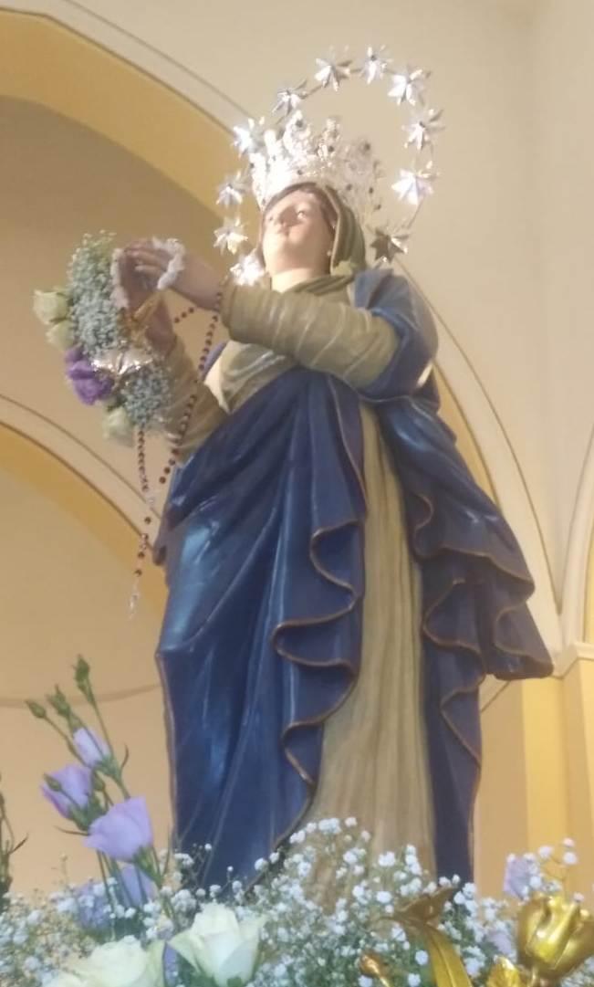 Parlamento della Legalità internazionale: una corona del Santo Rosario con i grani di colore rosso è stata donata al Simulacro dell'Immacolata.