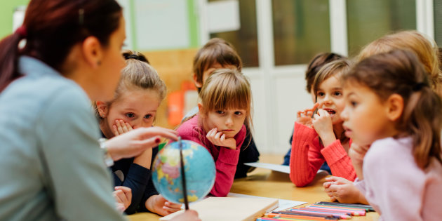 L'educazione civica, una priorità per le scuole italiane, la DC dice si al riavvio.