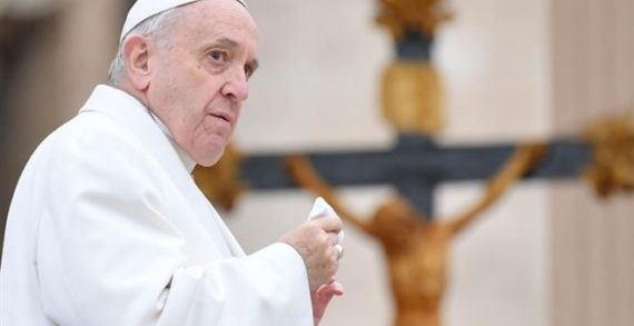 Sinodo. Il Papa: la Chiesa è sotto attacco, dobbiamo difenderla con la preghiera e la fede.