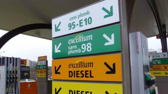 Quanto costa la benzina in Francia e in Italia : perché si protesta.