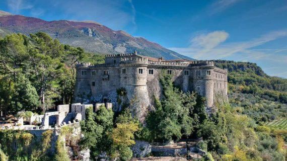 Il castello di Balsorano messo in vendita per 6 milioni di euro: una pezzo di storia che vola via.