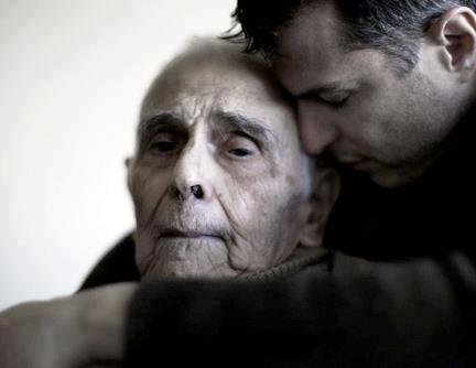 Dimenticati e silenziosi sono 5 milioni gli anziani soli: la Dc scende in campo.