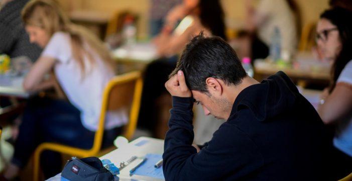 Emergenza lavoro: attenzione giovani, il diploma non serve più a nulla.