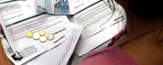 Stangata da 842 euro a famiglia in arrivo: tanti gli aumenti del 2019.