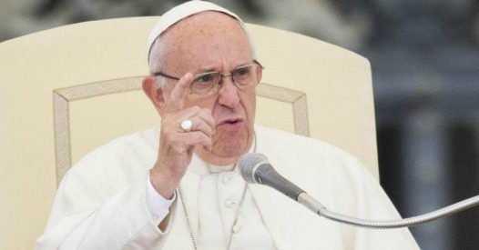 """Bacchettata del Santo Padre in udienza: """"MEGLIO ATEI CHE CRISTIANI IPOCRITI"""", """"Dio non ha bisogno di sacrifici""""."""
