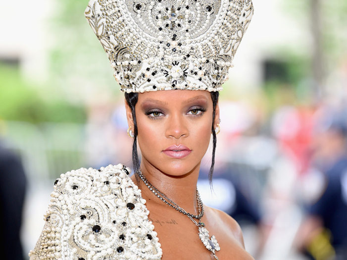 Rihanna : lancia un marchio di moda in collaborazione con LVMH.