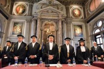 7.090 società partecipate, tra doppioni e aziende fantasma: La Corte dei Conti svela il mondo sommerso in Italia.