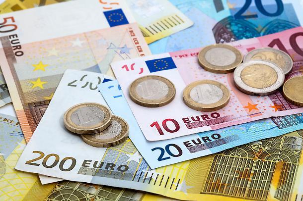 """Spariranno i pagamenti con soldi in contanti dagli uffici pubblici: arriva """"pagoPa""""."""