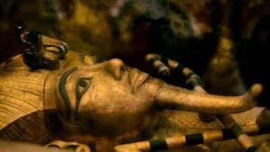 """Egitto, restaurata la tomba """"maledetta"""": Tutankhamon torna al suo antico splendore."""