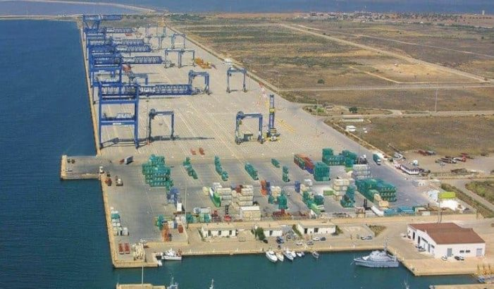 Brusco calo del traffico merci nel porto industriale di Cagliari.