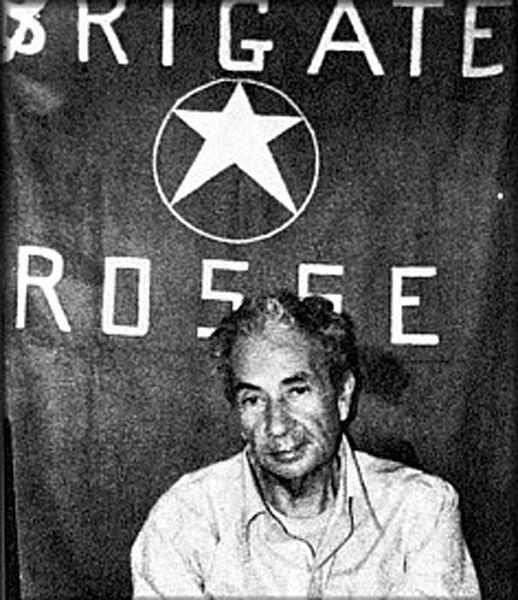 Puglia, il fondatore delle Br al convegno su Aldo Moro: l'ira del nipote di un poliziotto ucciso