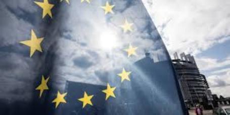 L'Europarlamento approva la riforma del diritto d'autore, si al Copyright.