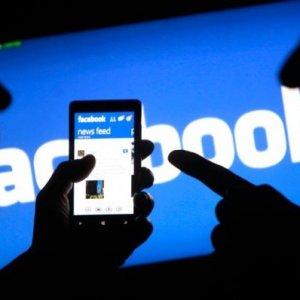 Facebook censura il nazionalismo bianco: Zuckerberg annuncia la svolta, più privacy su Facebook.