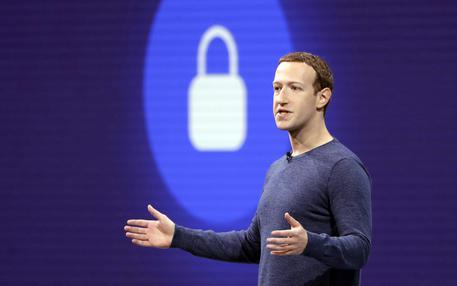 """Zuckerberg invoca nuove regole, Il padre di Facebook dice:  """"Le elezioni vanno protette"""""""
