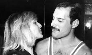 """Parla Mary Austin :""""Freddie Mercury mi hai lasciato un fardello troppo grande""""."""