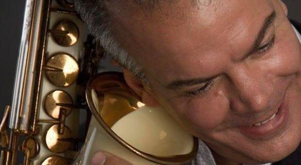 Periferia di Roma: rubati i sax della collezione Berni, tra questi anche un 'Selmer' del leggendario Sonny Rollins.