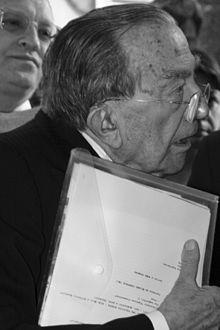 """Il documento inedito del 1953 di Giulio Andreotti: """"Ho deciso, lascio la politica"""", ma non fu così!"""