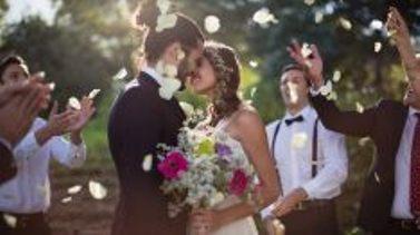 Sgravi fiscali per giovani futuri sposi: la proposta di legge, ma è sempre poco.
