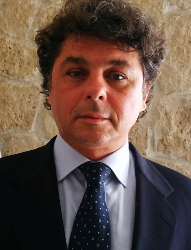 Verso la Conferenza programmatica nazionale della Democrazia Cristiana: il pensiero del dott. ROBERTO BRUNO MASSAFRA (Milano) Segretario regionale del Dipartimento Sanità e Assistenza sociale della D.C. LOMBARDIA