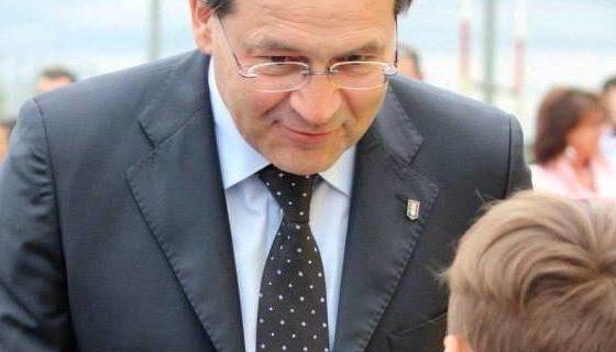 """Cav. FlorianoZambon (Conegliano/TV) – Presidente nazionale dell'Associazione """"Le città del vino""""."""