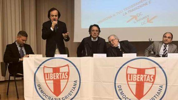 Continua il dialogo tra Democrazia Cristiana e Unione Cristiana in vista della riunificazione delle varie componenti democristiane in un unico partito denominato DEMOCRAZIA CRISTIANA