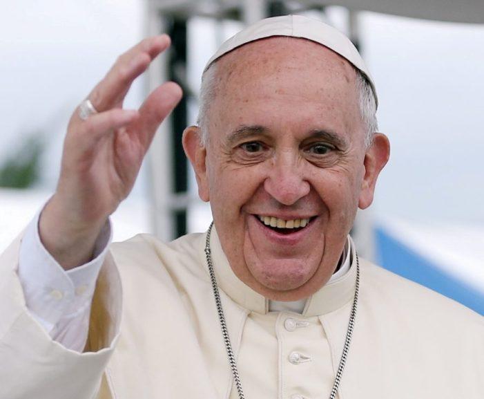 Papa Francesco invita tutti a recitare il Padre nostro alle ore 12.00 di mercoledì 25 marzo ed alla adorazione del Santissimo alle ore 18 di venerdì 27 marzo 2020 (eventi trasmessi in diretta da TV 2000)