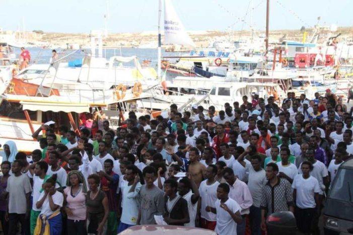 Continua ininterrottamente lo sbarco di migranti in Sicilia: la situazione è davvero grave !