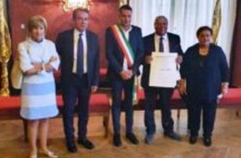 Conferito ufficialmente il cavalieriato al monteprandonese Franco Caponi.