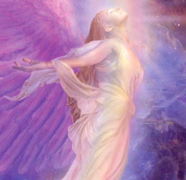 Siamo  circondati da Angeli che ci proteggono! Auguri Angelo!