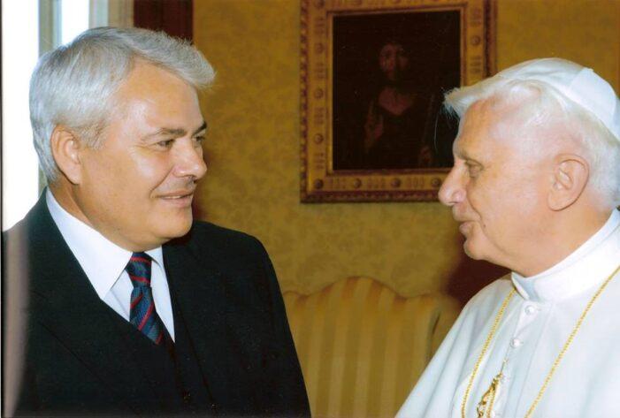 AMPIO RISALTO DALLA STAMPA ALBANESE ALLA NOTIZIA DELL'ON. ZEF BUSHATI NUOVO PRESIDENTE VICARIO DELLA DEMOCRAZIA CRISTIANA INTERNAZIONALE.