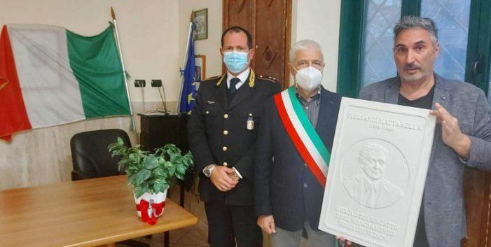 """INTITOLATA ALLA FIGURA DI PIERSANTI MATTARELLA LA PALESTRA DELL'ISTITUTO """"GIOVANNI FALCONE"""" DI COLLEFERRO (RM)"""