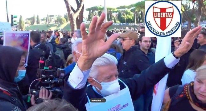 """La Democrazia Cristiana contro il """"green pass"""" ! Il fascismo é nei fatti non nelle parole: regaliamo fiori alla polizia antisommossa al Circo Massimo – ottobre 2021"""